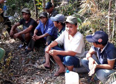 Gần trăm người đổ xô đến Bình Thuận tìm trầm