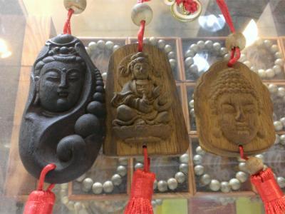 Tượng Phật trầm hương treo trang trí